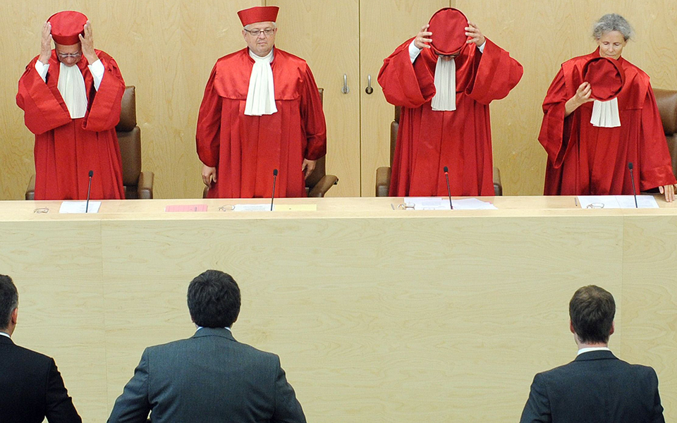 Η απόφαση του γερμανικού Συνταγματικού Δικαστηρίου της 5ης Μαΐου προκάλεσε αίσθηση και ανησυχίες για το μέλλον της Ευρώπης. (Φωτ. EPA)