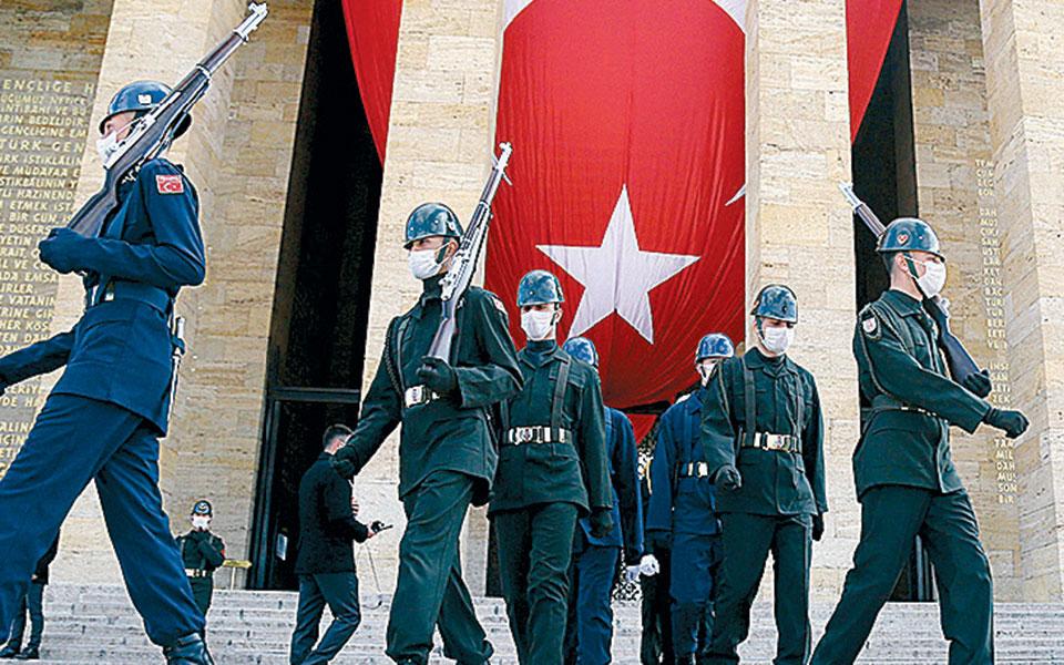 Τουρκία: Ενταση μεταξύ γιατρών και πολιτικών λόγω κορωνοϊού