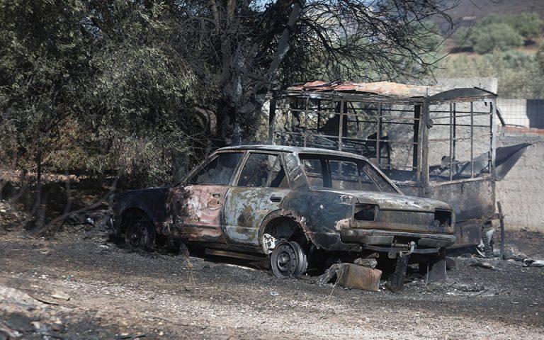 Σε ύφεση η φωτιά στον Νέο Βουτζά – Ζημιές σε σπίτια στη Νοτιοανατολική Αττική