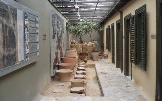 Το εσωτερικό του Μουσείου Νεότερης Κεραμικής.