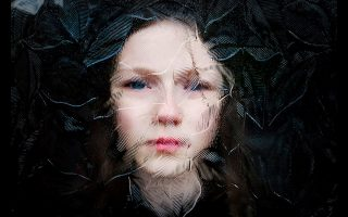 Φωτογραφίες:  © Robert Coyle ,Simon Murphy/Hold Still