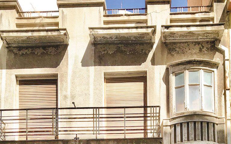 o-oraios-athinaikos-mesopolemos-stin-odo-anafis-561084271