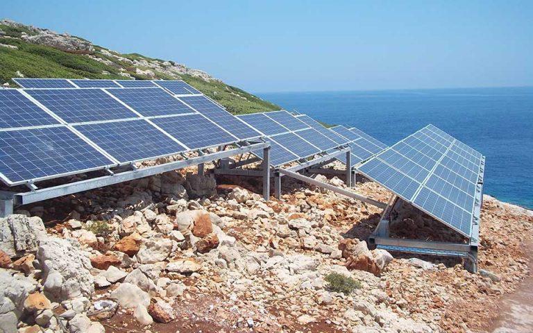 Ανανεώσιμες πηγές: Τι απαντούν οι φορείς για το κόστος τους