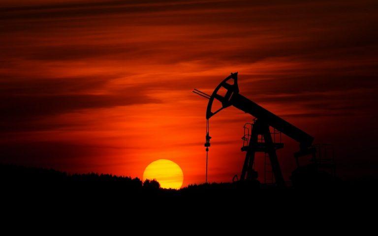 Γιατί η Ρωσία θέλει να μειώσει την παραγωγή πετρελαίου