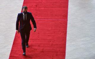 Ο Γάλλος πρόεδρος κάτα την άφιξη του στη σύνοδο κορυφής της ΕΕ στις Βρυξέλλες.  (Φωτ. REUTERS)