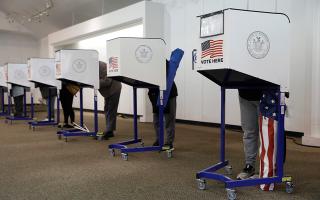 Εννέα ημέρες προτού γίνει η ψηφοφορία, τα κέντρο μελετών του πανεπιστημίου της Φλόριντας ανακοίνωσε ότι μέχρι την Κυριακή είχαν ήδη ψηφίσει 59 εκατομμύρια Αμερικανοί (Φωτ. Reuters).