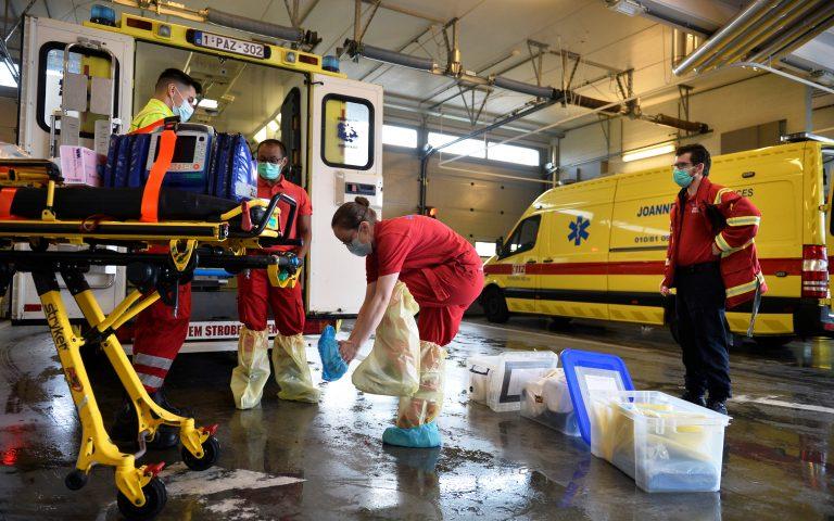 Βέλγιο: Ορατός ο κίνδυνος οι ΜΕΘ να ξεμείνουν από κρεβάτια