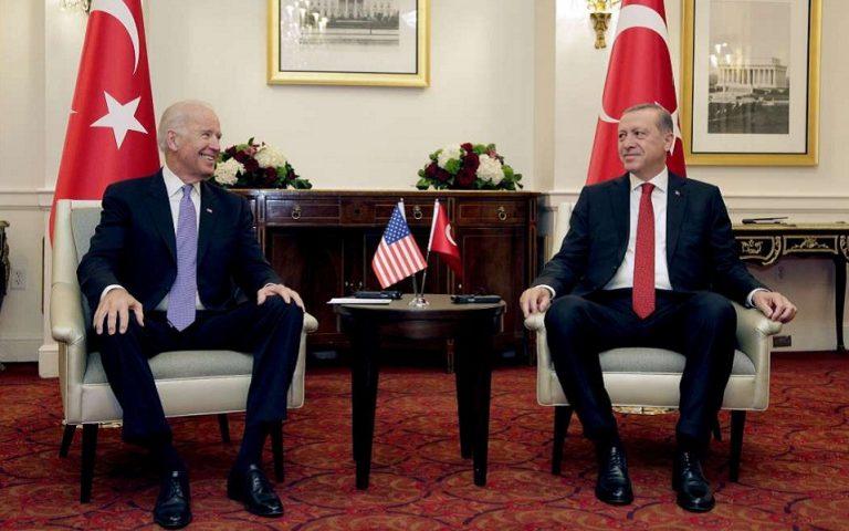 Τι θα σημάνει για Ερντογάν μια νίκη του Μπάιντεν
