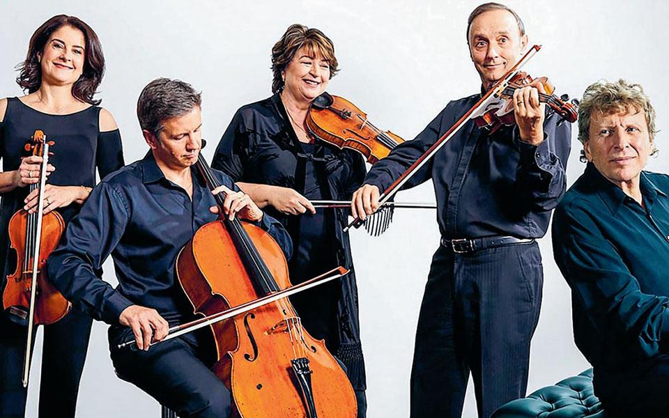 Η ερμηνεία του Πιρς Λέιν με το Κουαρτέτο Γκόλντνερ αναδεικνύει τις συγγένειες ανάμεσα στους δύο συνθέτες. (Φωτ. Goldner Quartet)