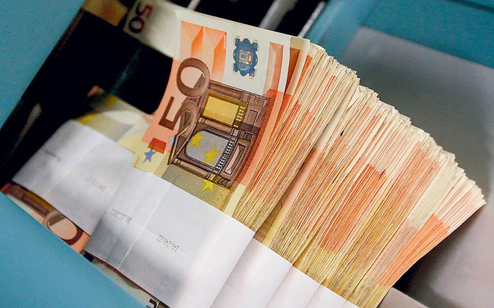 Η στήριξη της ΕΑΤ παρέχεται μέσω της α΄ φάσης του ΤΕΠΙΧ II, διά του οποίου οι τράπεζες έχουν χορηγήσει μέχρι σήμερα δάνεια 1,8 δισ. και της α΄ φάσης του Ταμείου Εγγυοδοσίας μέσω του οποίου έχουν δοθεί δάνεια 3,5 δισ. (φωτ. Reuters).