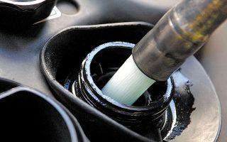 Στην περίπτωση που εντοπισθούν νοθευμένα καύσιμα ή ύπαρξη παράνομων δεξαμενών, θα σφραγίζεται προσωρινά η εγκατάσταση για 10 έως 90 ημέρες και θα δημοσιοποιούνται τα στοιχεία της επωνυμίας της εγκατάστασης και του κατόχου της άδειας.