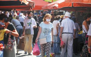 Mια πόλη ή μια περιοχή «καθαρίζει», σε μιαν άλλη, μέχρι πρότινος «καθαρή», σημαίνει συναγερμός. Είναι πολλοί οι λόγοι που μπορούν να οδηγήσουν σε έξαρση τον αριθμό των κρουσμάτων κορωνοϊού. (Φωτ. INTIME NEWS)