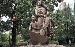 Το άγαλμα της μοναχής Φραντσέσκα Καμπρίνι.