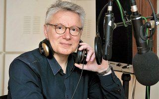 Ο Φώτης Απέργης είναι έμπειρος δημοσιογράφος και ραδιοφωνικός παραγωγός (φωτ. Λευτέρης Σαμοθράκης).
