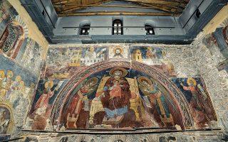 Ο Σεπτός Ναός του Πρωτάτου στις Καρυές (εσωτερική άποψη).
