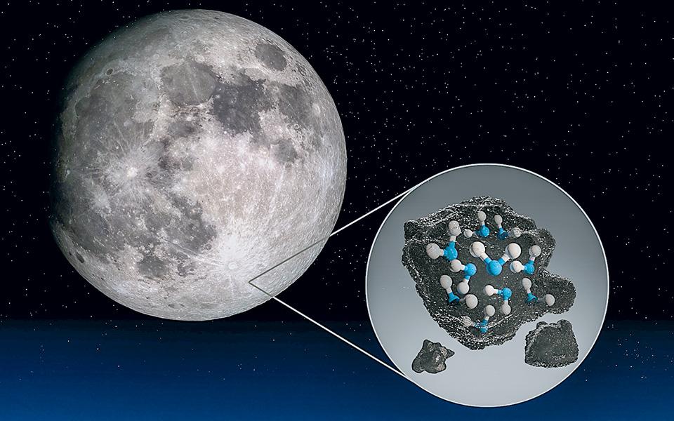 Η NASA και επιστήμονες στις ΗΠΑ ανίχνευσαν πέραν πάσης αμφιβολίας νερό στην ορατή, φωτεινή πλευρά της Σελήνης. Aυτό σημαίνει ότι το νερό μπορεί να είναι κατανεμημένο σε όλη την επιφάνεια και όχι μόνο στις κρύες, σκοτεινές περιοχές της, όπως οι πόλοι (φωτ. NASA / Daniel Rutter).