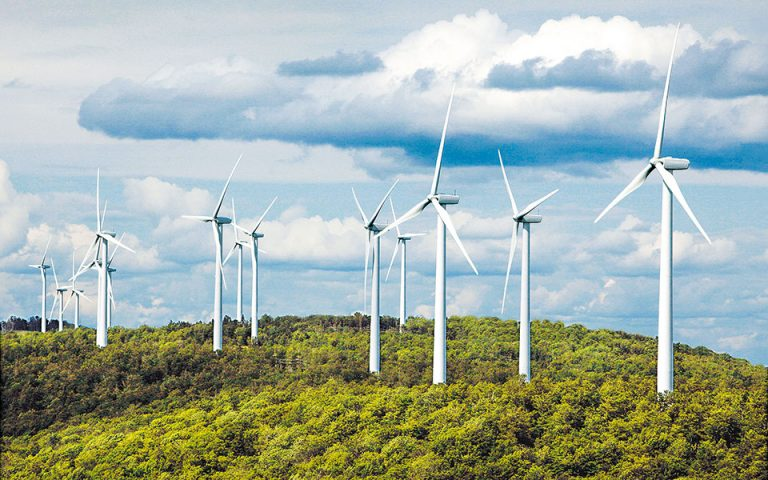 Επενδύσεις 11 τρισ. δολαρίων στην πράσινη ενέργεια τις επόμενες δεκαετίες