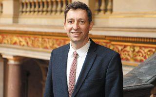 Ο Nick Bridge, εκπρόσωπος του βρετανικού υπουργείου Εξωτερικών για θέματα Κλιματικής Αλλαγής, μιλάει στην «Κ».