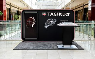 to-neo-tag-heuer-connected-sto-golden-hall-gia-liges-mono-imeres0
