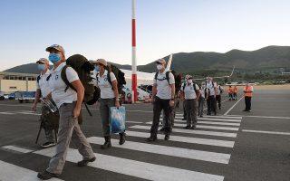Η ομάδα θα μείνει στο νησί για περίπου τρεις εβδομάδες και έχει τη δυνατότητα περίθαλψης εκατό ανθρώπων την ημέρα.  © Aggelos Barai