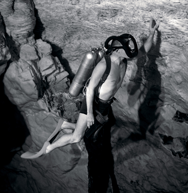 blancpain-fifty-fathoms-bathyscaphe-day-date-desert-edition2