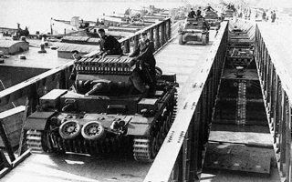 80-chronia-prin-9-10-19400