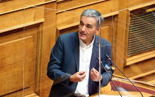 o-neofileleytherismos-o-tsakalotos-kai-o-papas0