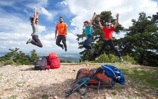 Η χαρά της επιτυχίας μετά την ανάβαση στο καταφύγιο Φλαμπούρι.  (Φωτογραφίες: Όλγα Χαραμή)