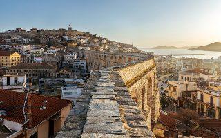 Απόγευμα στις Καμάρες, με φόντο το Κάστρο. © ΝΙΚΟΛΑΣ ΜΑΣΤΟΡΑΣ