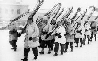 Το 1939 οι Φινλανδοί αρνήθηκαν να το αποδεχθούν χωρίς πόλεμο, στον οποίο αγωνίστηκαν ηρωικά αλλά τελικά ηττήθηκαν (όπως ακριβώς και εμείς έναν χρόνο αργότερα). (Φωτ. A.P.)