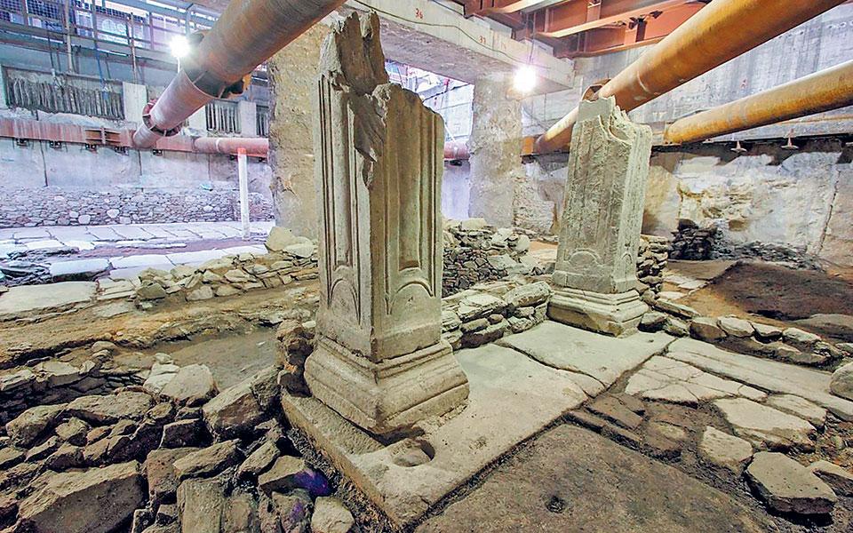 Πλήθος στοιχείων, όπως η έκταση του μνημείου, η σύσταση των υλικών, η βεβαιότητα της καταστροφής τους κατά την απόσπαση κ.ά., έκανε μονόδρομο την παραμονή των ααρχαίων στη θέση τους από το 2015 και εφεξής.