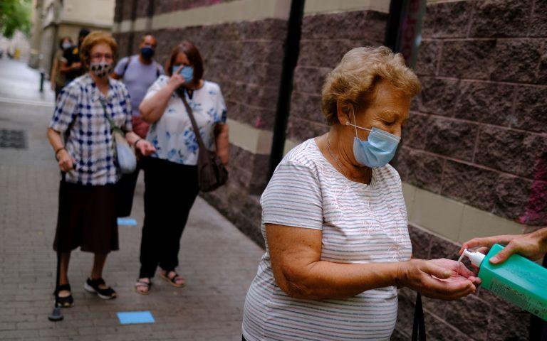 Ισπανία: Σε απεργιακό κλοιό οι γιατροί ενώ αυξάνονται τα κρούσματα