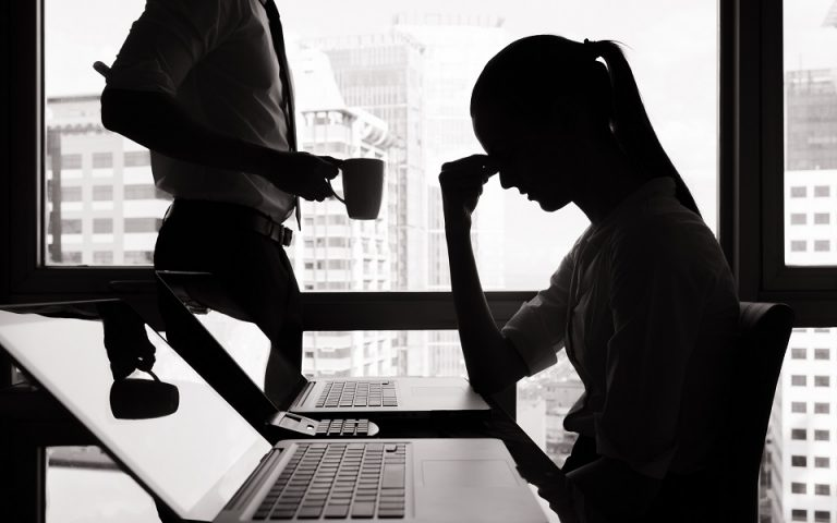 ΙΝΕ ΓΣΕΕ: Ανατροπή θεμελιωδών δικαιωμάτων και εργασιακή ανασφάλεια «έφερε» ο κορωνοϊός