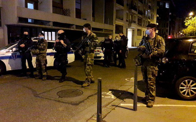 Συνελήφθη ο άνδρας που πυροβόλησε τον ελληνορθόδοξο ιερέα στη Λυών
