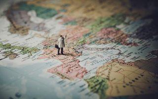 H πανδημία αποκάλυψε την εξάρτηση της Ευρώπης και της Δύσης από την Ασία στον κλάδο της μεταποίησης.