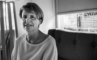 Η Ελισάβετ Κοτζιά, ένας από τους «πυλώνες» της κριτικής της λογοτεχνίας, επισημαίνει πως από το '70 και μετά, μαζί με τον ελεύθερο χρόνο, πολλαπλασιάστηκε και το αναγνωστικό κοινό.  Φωτ. ΚΩΝΣΤΑΝΤΙΝΟΣ ΠΙΤΤΑΣ
