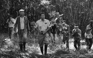 Στην τελευταία ταινία του Λαβ, τη δυόμισι ωρών «Γένος Παν», τρεις παράνομοι ανθρακωρύχοι επιστρέφουν στο νησί τους ύστερα από μήνες μόχθου.