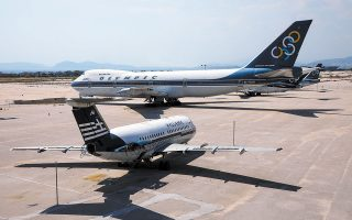 Αεροπλάνα της παλιάς Ολυμπιακής που παραμένουν στο Ελληνικό.  Φωτ. ΝΙΚΟΣ ΚΟΚΚΑΛΙΑΣ