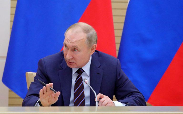 Πούτιν: Αν είχε δηλητηριαστεί ο Ναβάλνι δεν θα τον αφήναμε να φύγει εκτός Ρωσίας