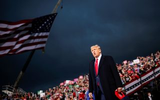 U.S. President Donald Trump holds a campaign rally at Des Moines International Airport in Des Moines, Iowa, U.S., October 14, 2020. REUTERS/Carlos Barria