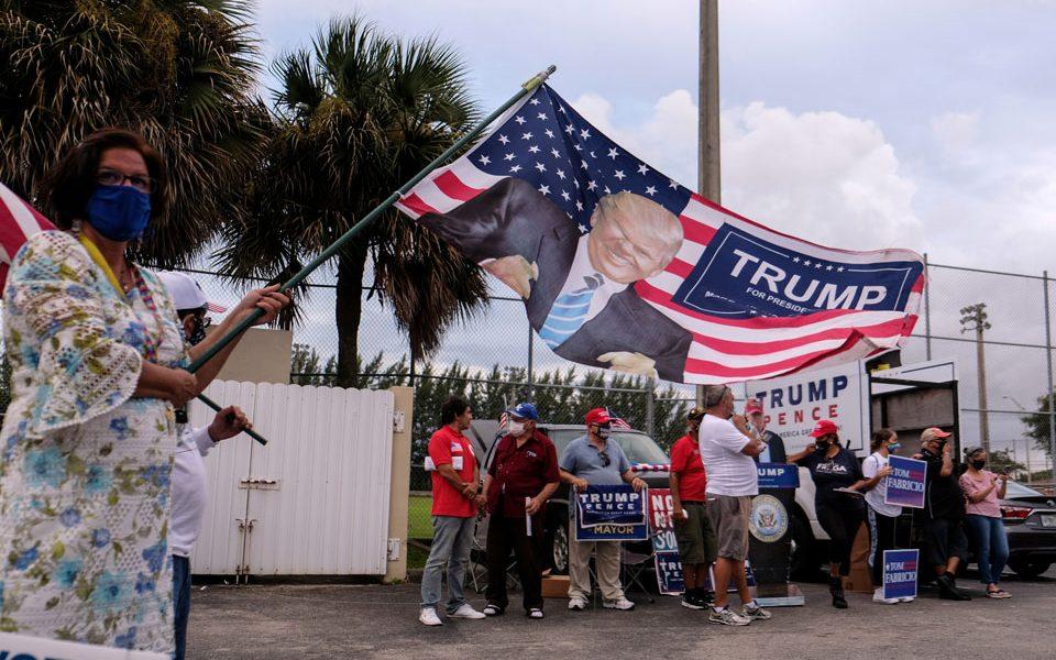 Στη μάχη υπέρ Μπάιντεν και ο Ομπάμα, η αντεπίθεση Τραμπ και οι τελευταίες δημοσκοπήσεις