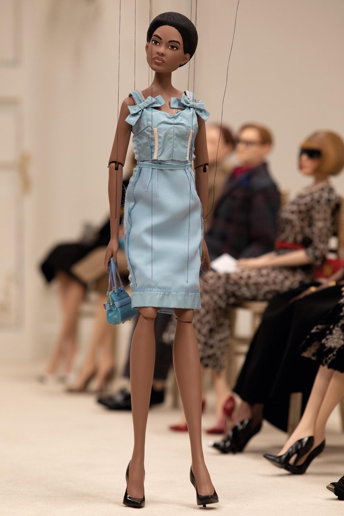 streaming-fashion-apo-to-frow-row-stin-eikoniki-pragmatikotita0