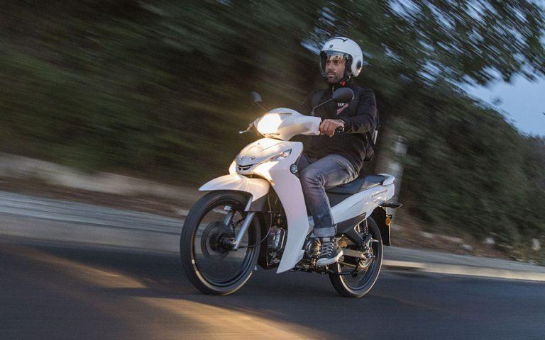 Ισοδυναμία αδειών οδήγησης επιβατικών αυτοκινήτων με αυτά των ελαφρών δικύκλων (έως 125cc)