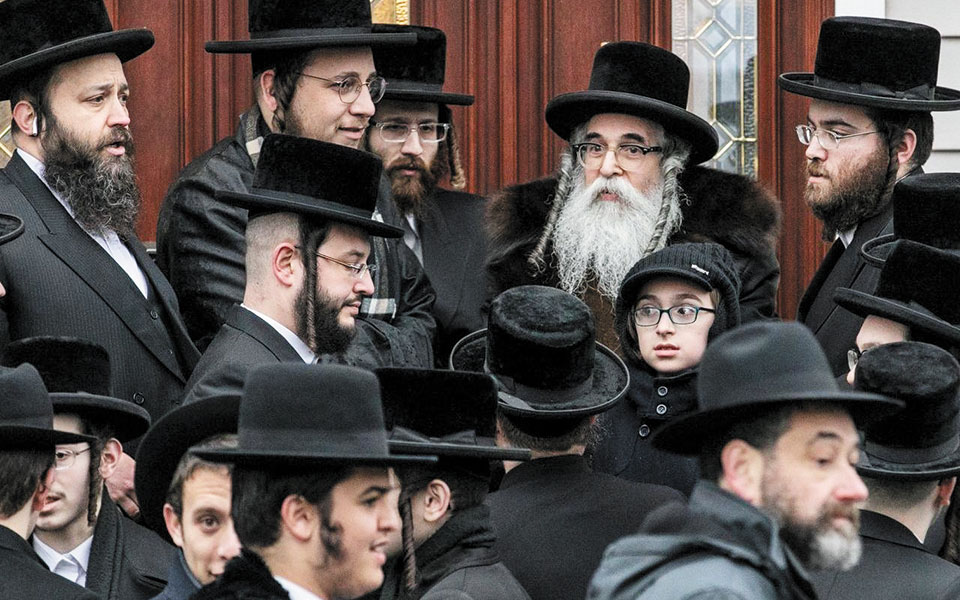 Γεννημένος στη Νέα Υόρκη από μετανάστες εβραϊκής καταγωγής, ο Μπέρναρντ Μάλαμουντ δεν άργησε να διαπιστώσει ότι οι συμπατριώτες του «έχουν το δικαίωμα να ζήσουν στον κόσμο ως άνθρωποι». (Φωτ. SHUTTERSTOCK)