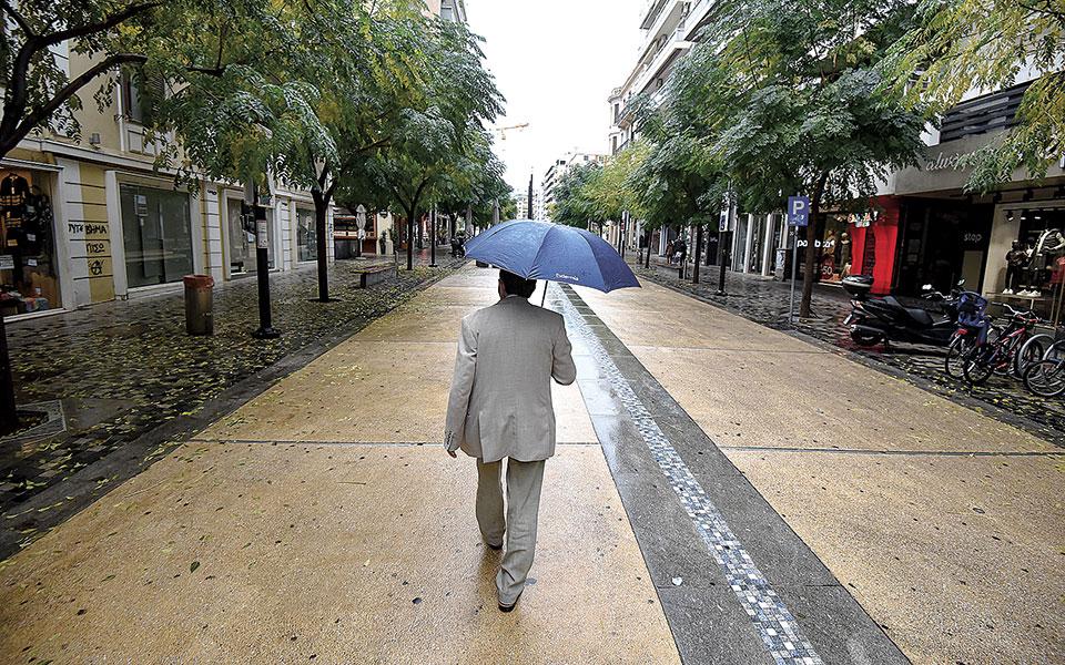 Πρώτη ημέρα εφαρμογής του τοπικού lockdown στη Θεσσαλονίκη, χθες. Τριψήφιος ξανά ο αριθμός κρουσμάτων κορωνοϊού, με τα περιστατικά να φθάνουν τα 595 (φωτ. INTIME NEWS).