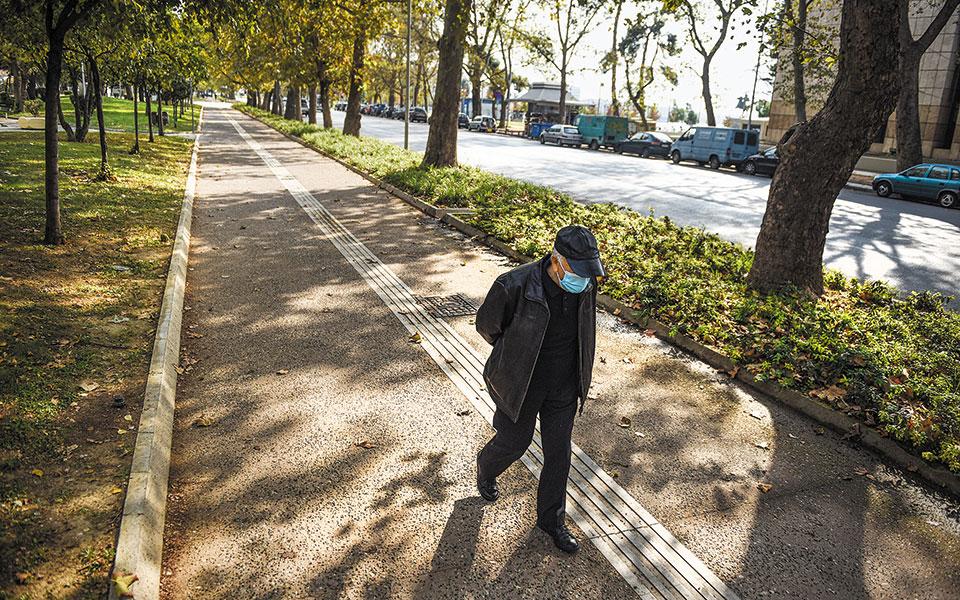 Στη Θεσσαλονίκη, η οποία ήδη βρίσκεται σε lockdown, εντοπίστηκαν χθες 823 νέα κρούσματα (φωτ. INTIME NEWS / ΠΑΠΑΝΙΚΟΣ ΓΙΑΝΝΗΣ).
