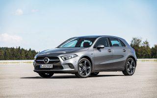 Τα πρώτα compact αυτοκίνητα βρίσκονται ήδη στη χώρα μας και είναι διαθέσιμα από 43.600 ευρώ.