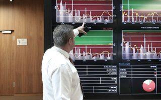 Το déjà vu ενός γενικού lockdown προς το παρόν δεν δημιούργησε σοβαρές πιέσεις στο ελληνικό χρηματιστήριο, παρά τα εκτιμώμενα νέα προβλήματα που θα δημιουργήσει στον τραπεζικό κλάδο και σε αρκετές εισηγμένες που δραστηριοποιούνται σε κλάδους που πλήττονται άμεσα, εκτιμούν χρηματιστηριακοί αναλυτές.