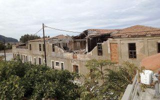 «Με αφορμή τις ζημιές που έχουν υποστεί τα κτίσματα στη Σάμο, προτείνω να αναλάβει το ΤΕΕ με εξουσιοδότηση της πολιτείας μία συνολική πιλοτική μελέτη για τη Σάμο, που θα περιλαμβάνει προτάσεις για την αποκατάσταση όλων των ζημιών και την επιπλέον θωράκιση του νησιού», αναφέρει ο κ. Στασινός.