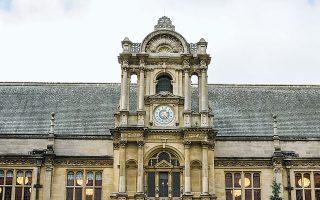 Οι φοιτητές στα βρετανικά πανεπιστήμια κάνουν φασαρία εάν ακυρωθεί κάποια διάλεξη. (Φωτ. SHUTTERSTOCK)